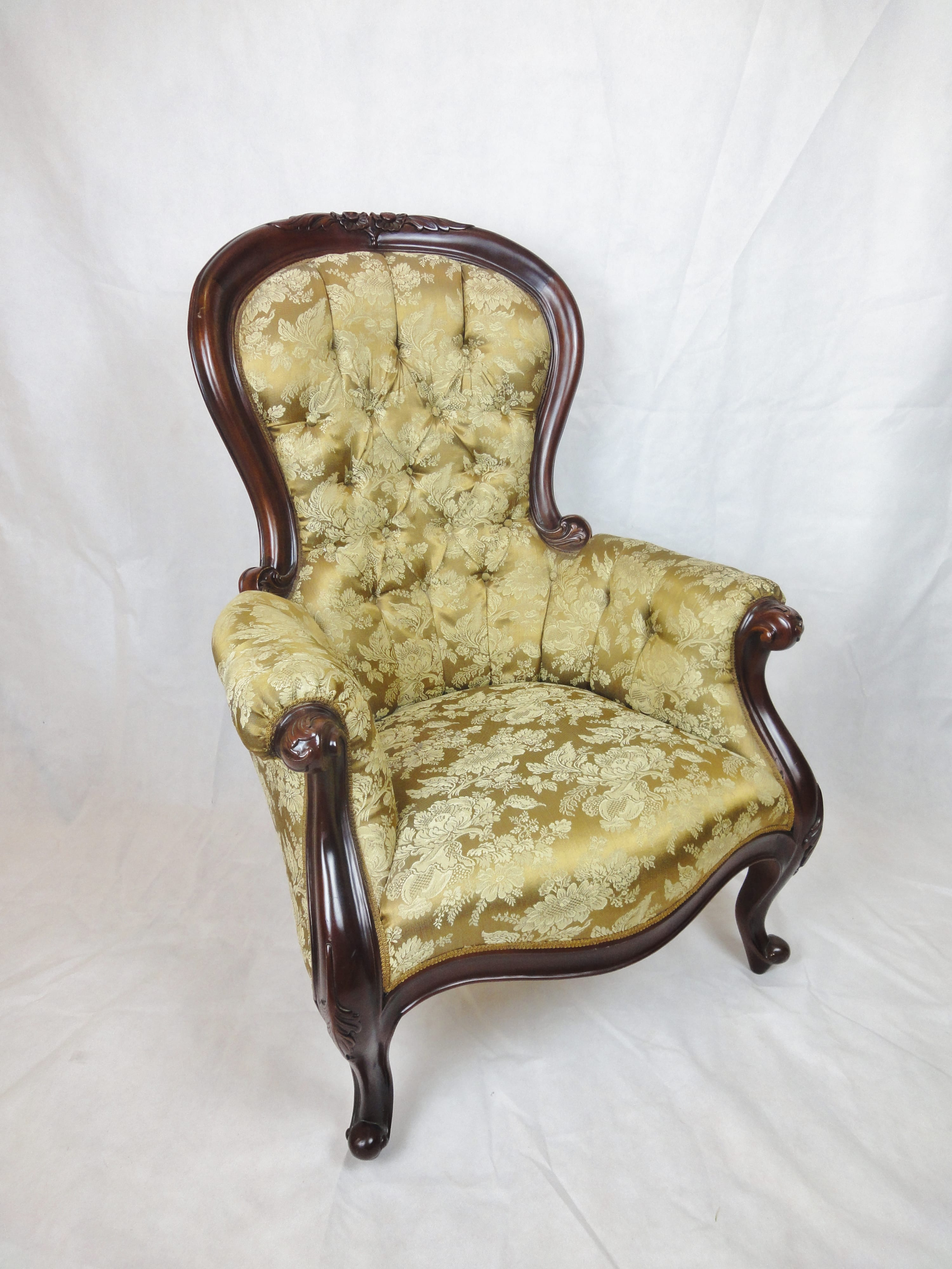 Victorian style Mahogany Spoon back Arm chair