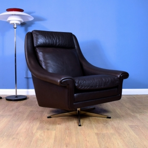 Mid Century Retro Danish Brown Leather Swivel Lounge Chair by Aage Christiansen