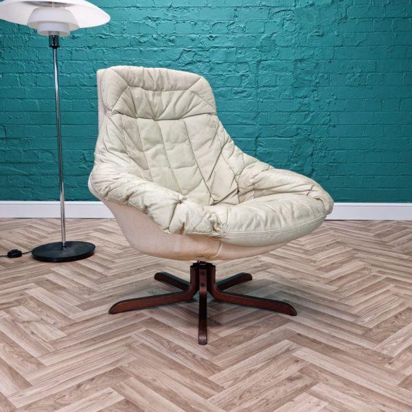 Bramin lounge chair