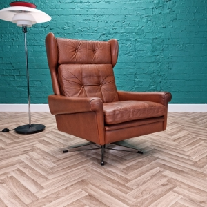 Mid Century Retro Danish Skippers Mobler Tan Leather Swivel Lounge Arm Chair